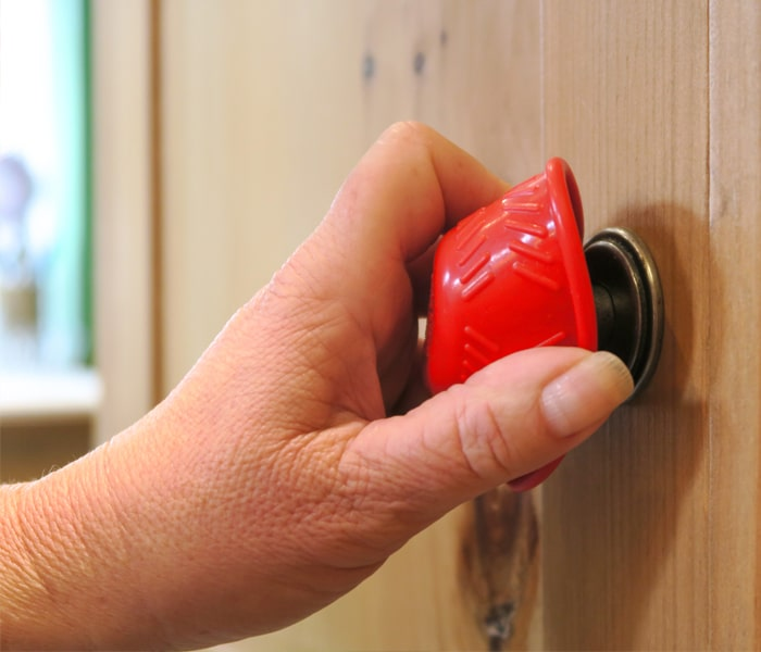 t-b-1-red-bottle-opener-cupboard-handle-1